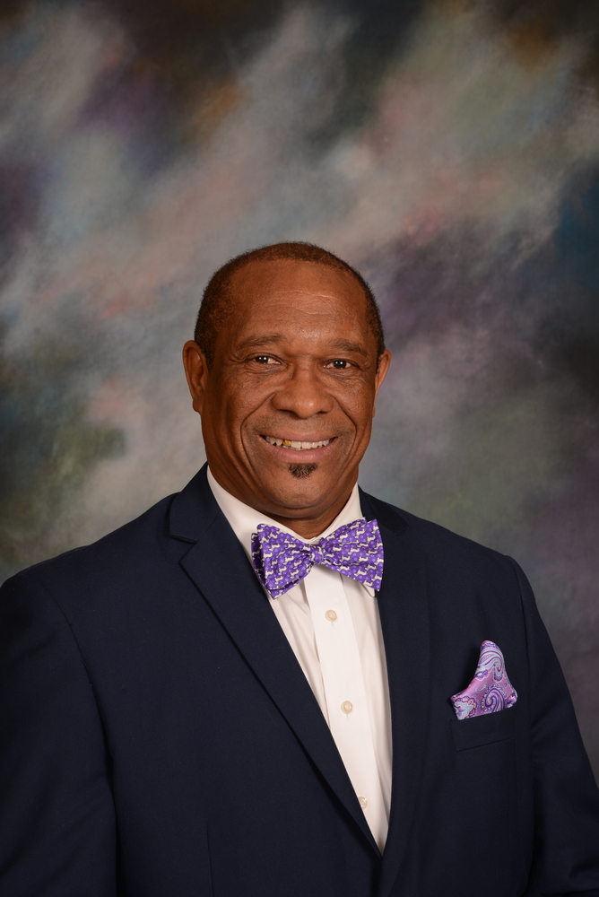 School Board Approves Contract Extension for Dr. Colbert