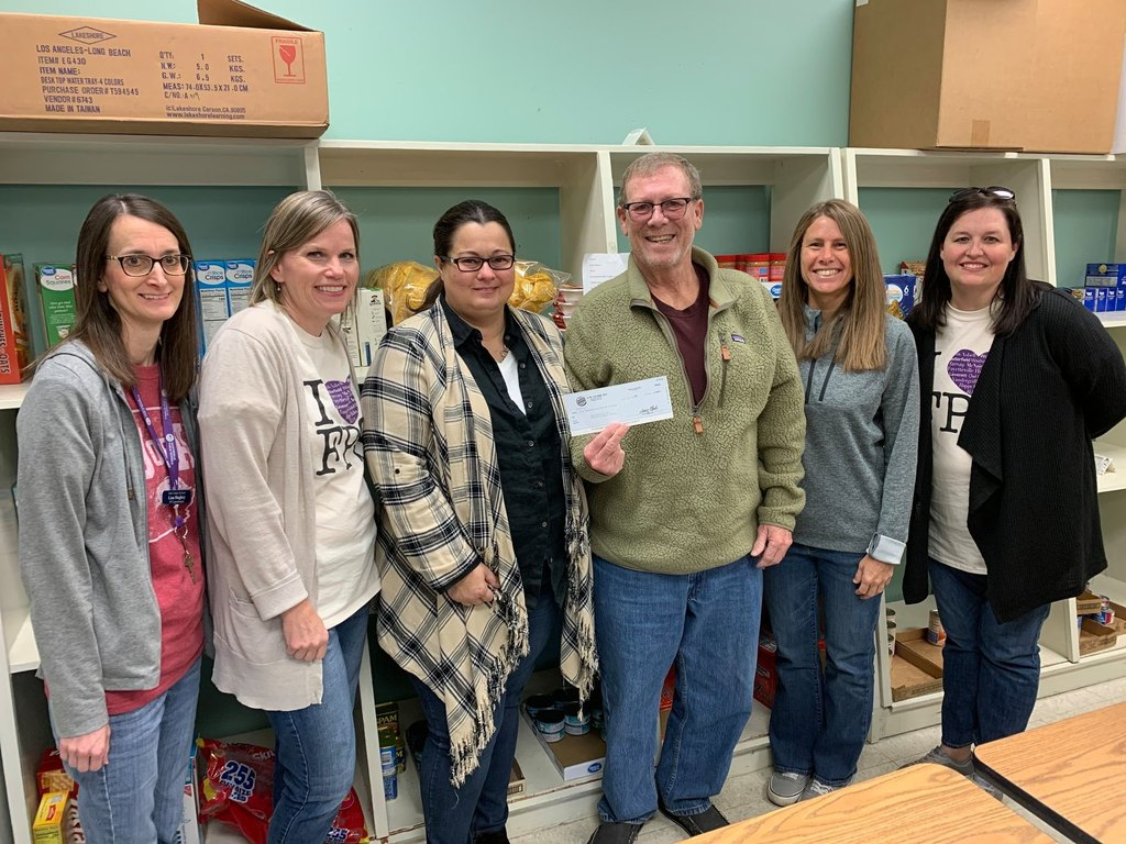 Special thanks to Terry and Rachel Clark from Burger King/L.W. Clark for their gift of $5,000 to the Fayetteville Public Schools Outback food pantry to help our social workers care for our students in need and their families!